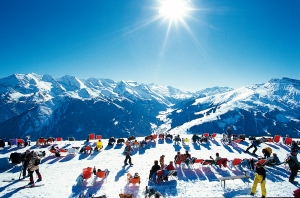Breakout Skiers taking a break in Alpe d'Huez
